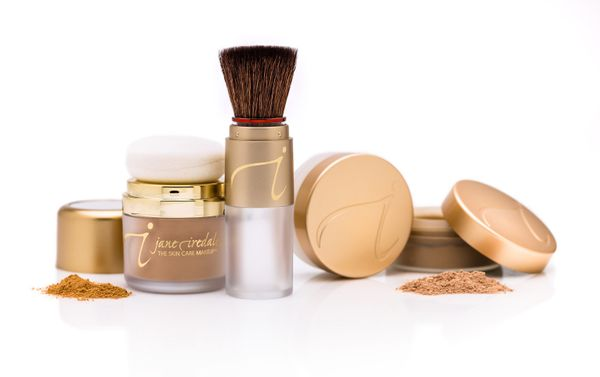 Jane Iredale offers maximum coverage with their pure micronized minerals and pigments. While their brand is priced sligh