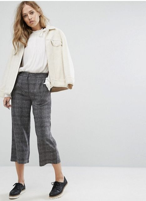 "Get the <a href=""http://us.asos.com/suncoo/suncoo-check-culottes/prd/8532778?clr=charcoal&SearchQuery=gray+plaid+&pge"