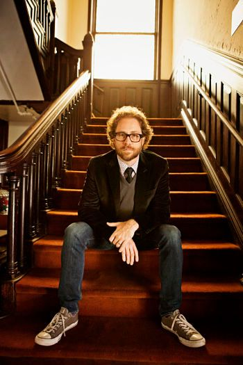 Jonathan Coulton stepping out...