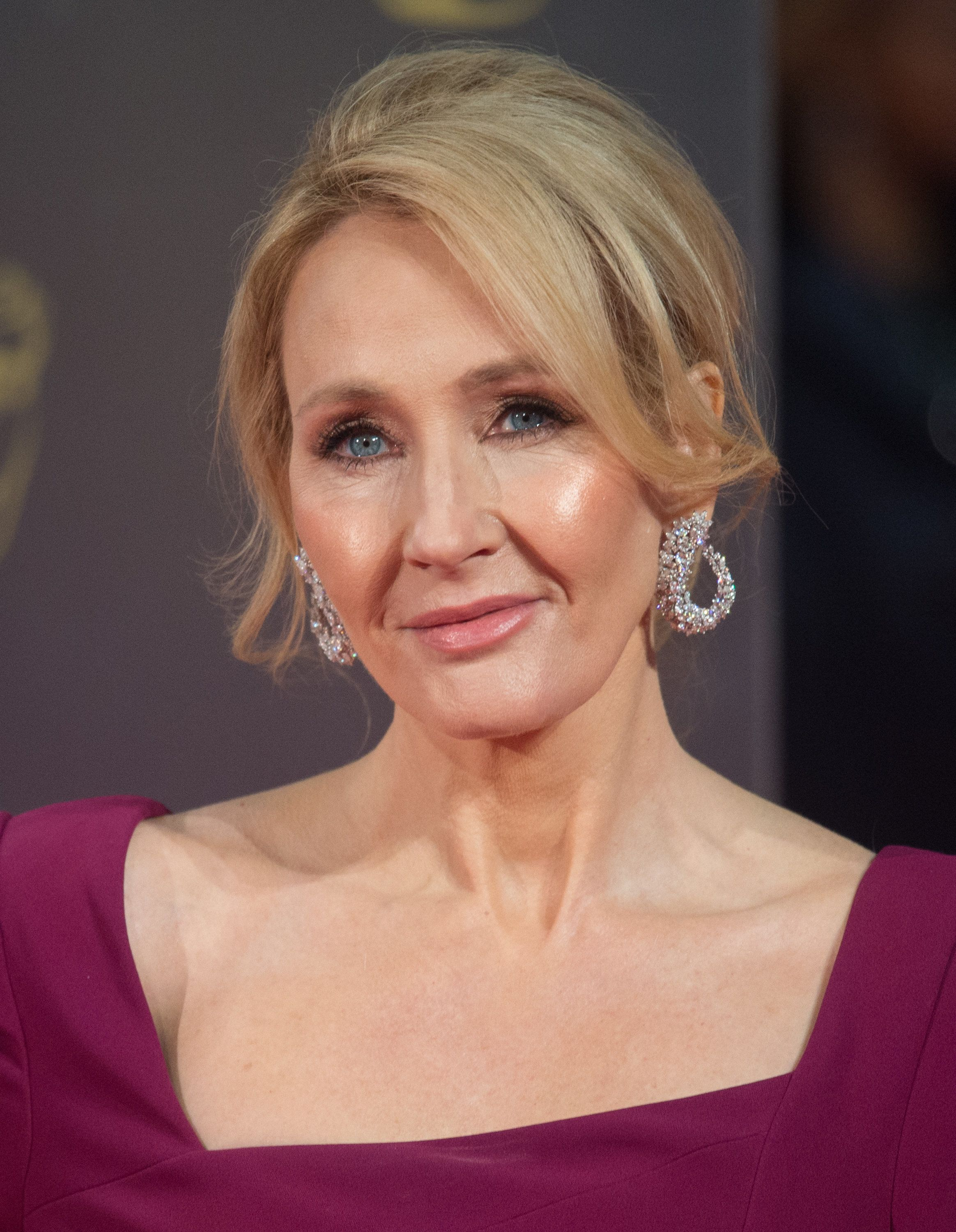 JK Rowling Sparks Outpouring Of Emotional Stories From EU Workers Over 'Pain' Of