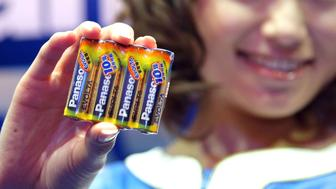 """TOKYO - JANUARY 15:  A model introduces Panasonic's new battery """"EVOLTA"""" at Tokyo Midtown on January 15, 2008 in Tokyo, Japan. The new battery sets Guinness World Record for the longest Lasting AA Alkaline Battery.  (Photo by Koichi Kamoshida/Getty Images)"""