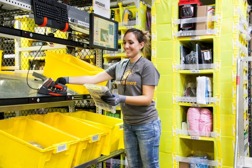 An Amazon employee working as picker at a fulfillment center [Image : Amazon official website]