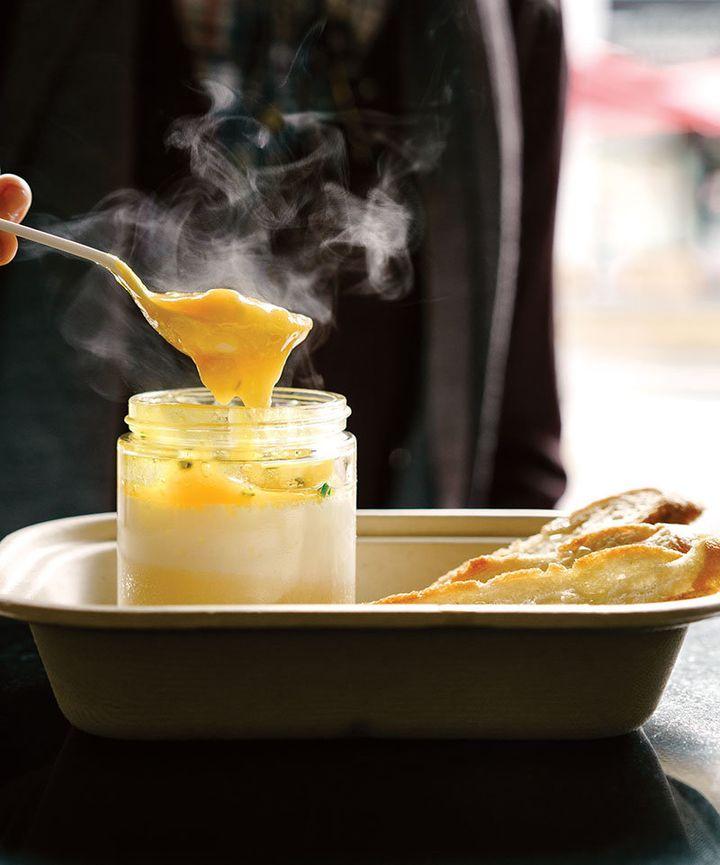 Eggslut's signature breakfast item.