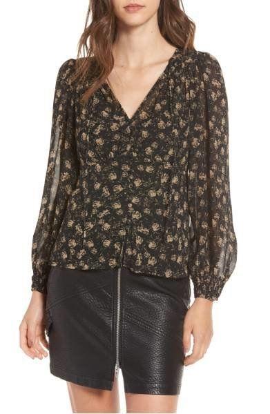 "Shop it <a href=""http://shop.nordstrom.com/s/astr-the-label-aubrey-top/4670277?origin=category-personalizedsort&fashionco"