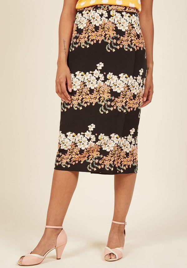 "Shop it <strong><a href=""https://www.modcloth.com/shop/sale-bottoms/meeting-medley-pencil-skirt-in-floral-black/153171.html?d"