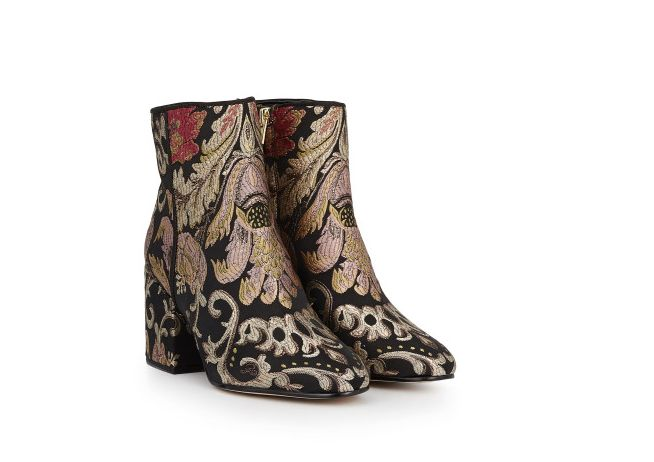 The Brocade pattern meets the embroidery trend this fall. You'll find embroidered denim, boots, loafers and more catching you