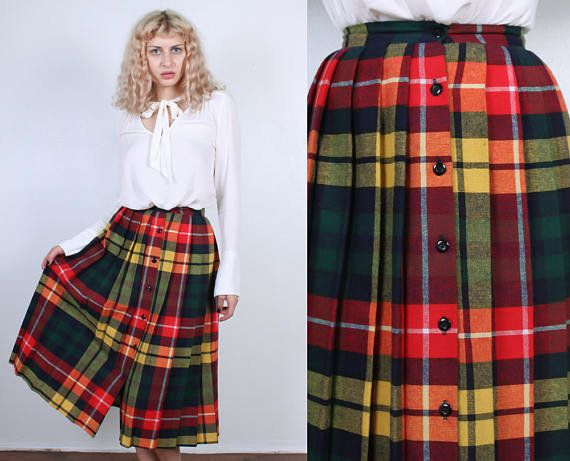 Say goodbye to the skinny-striped grunge plaid of the 90s, and hello to the fat-striped vintage plaid of the 70s. <br><b