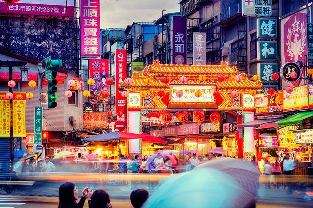 「海外で最も暮らしやすい国」ベスト10、意外なあの国が上位に…
