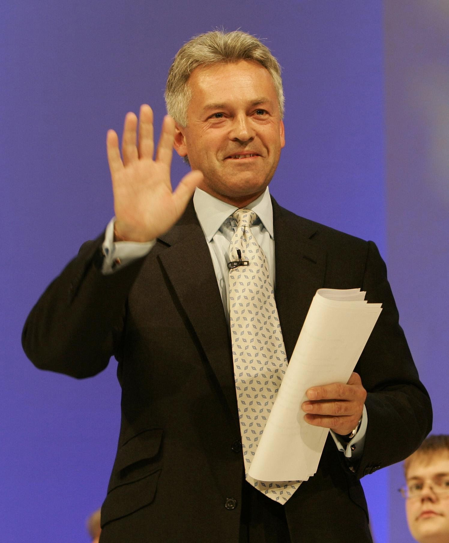 Alan Duncan, Who Criticised Caroline Lucas Over Hurricane Climate Change Comments, Has Links To Oil