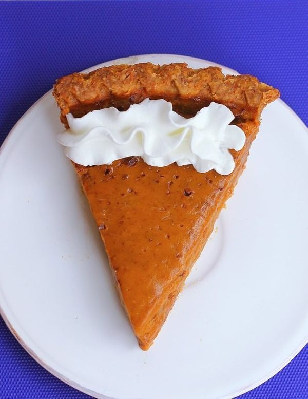 """<strong>Get the <a href=""""http://chocolatecoveredkatie.com/2015/11/16/healthy-sweet-potato-pie/"""" target=""""_blank"""">Healthy Sweet"""