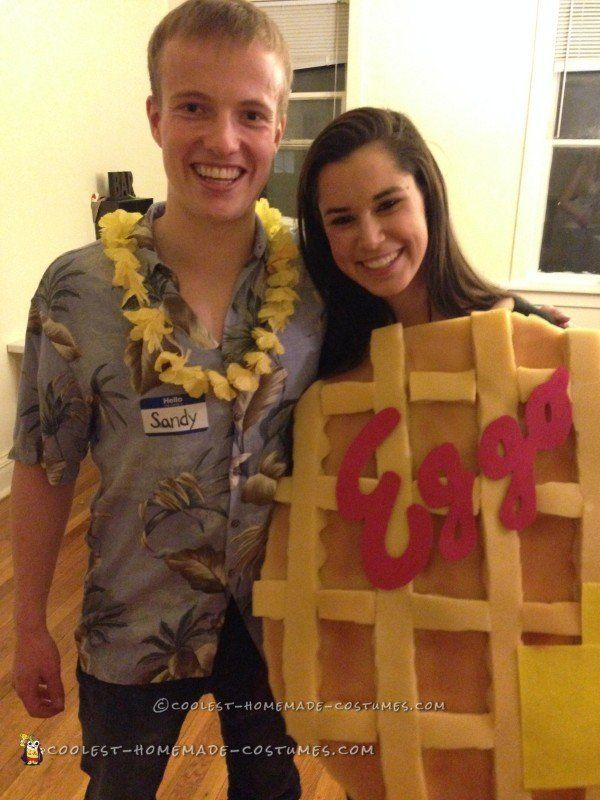 Diy couples costumes for halloween that are actually pretty clever coolest homemade costumes solutioingenieria Image collections
