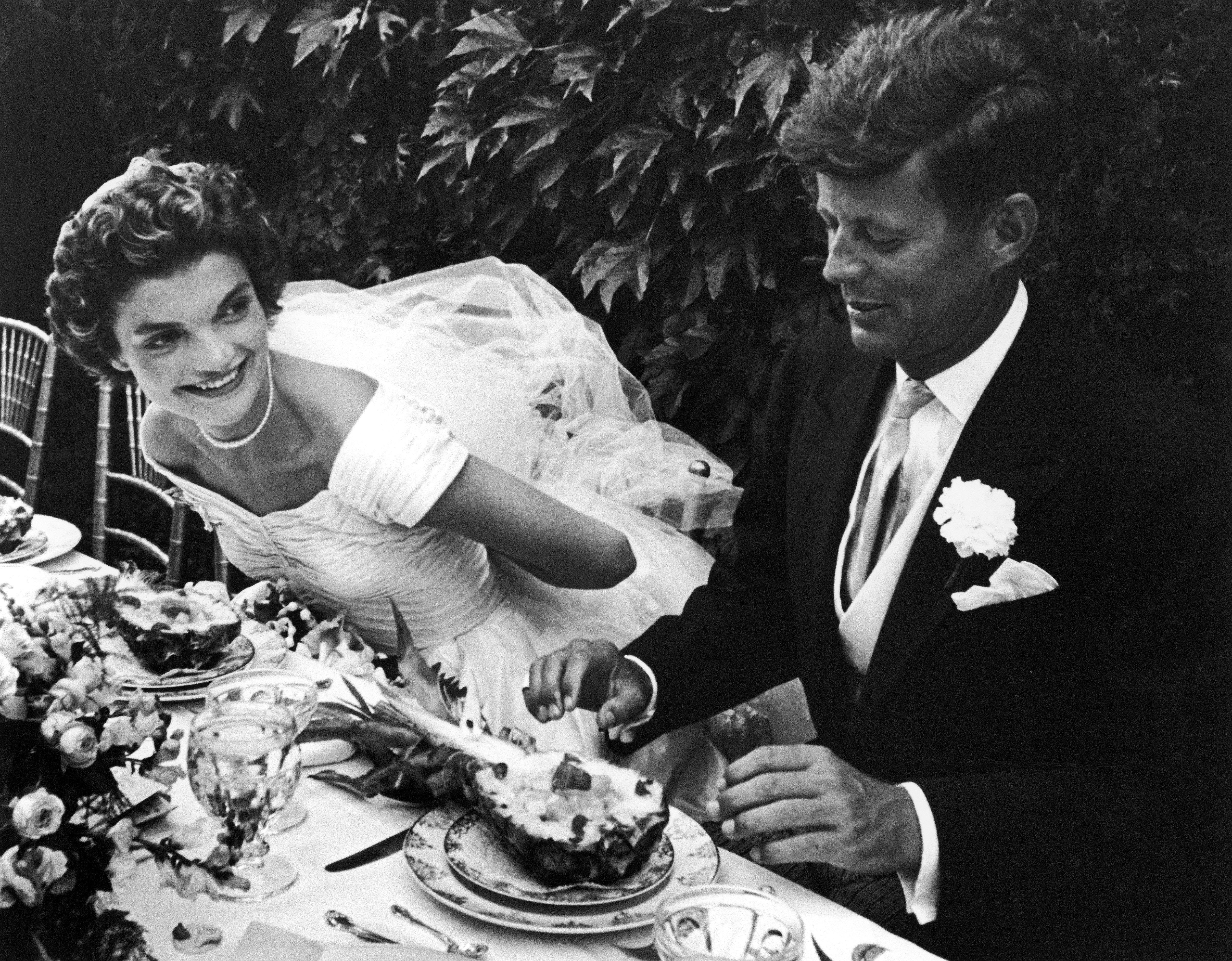25 fotos deslumbrantes do casamento de John F. Kennedy e Jackie