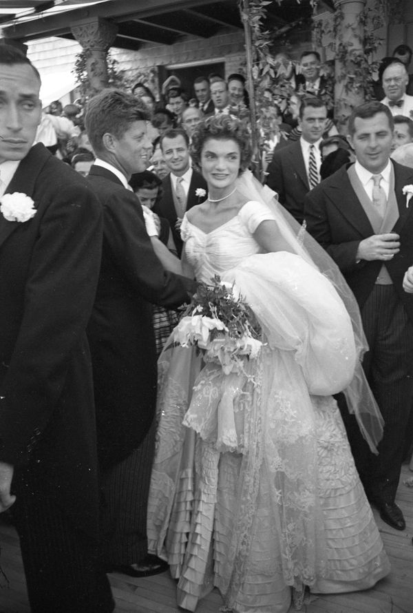 Must see photos from john f kennedy and jackie kennedys wedding american future first lady jacqueline kennedy 1929 1994 poses with her husband politician and future us president john f kennedy 1917 1963 junglespirit Image collections