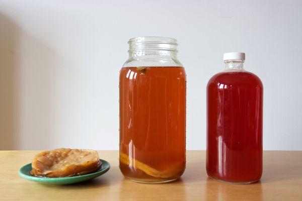 "<a href=""http://www.huffingtonpost.com/topic/kombucha"">Kombucha</a>, the fermented drink of black tea that hit peak trend a c"