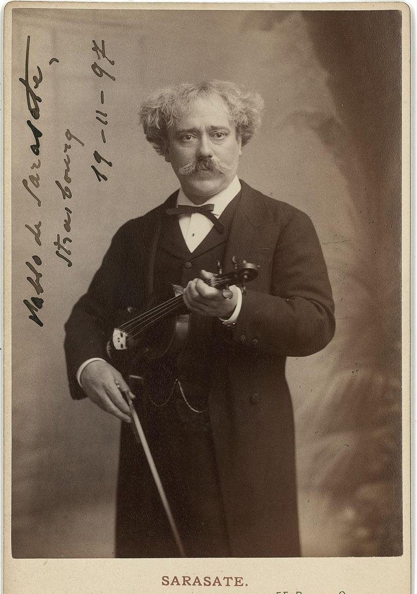 <em>Violinist – Pablo de Sarasate</em>