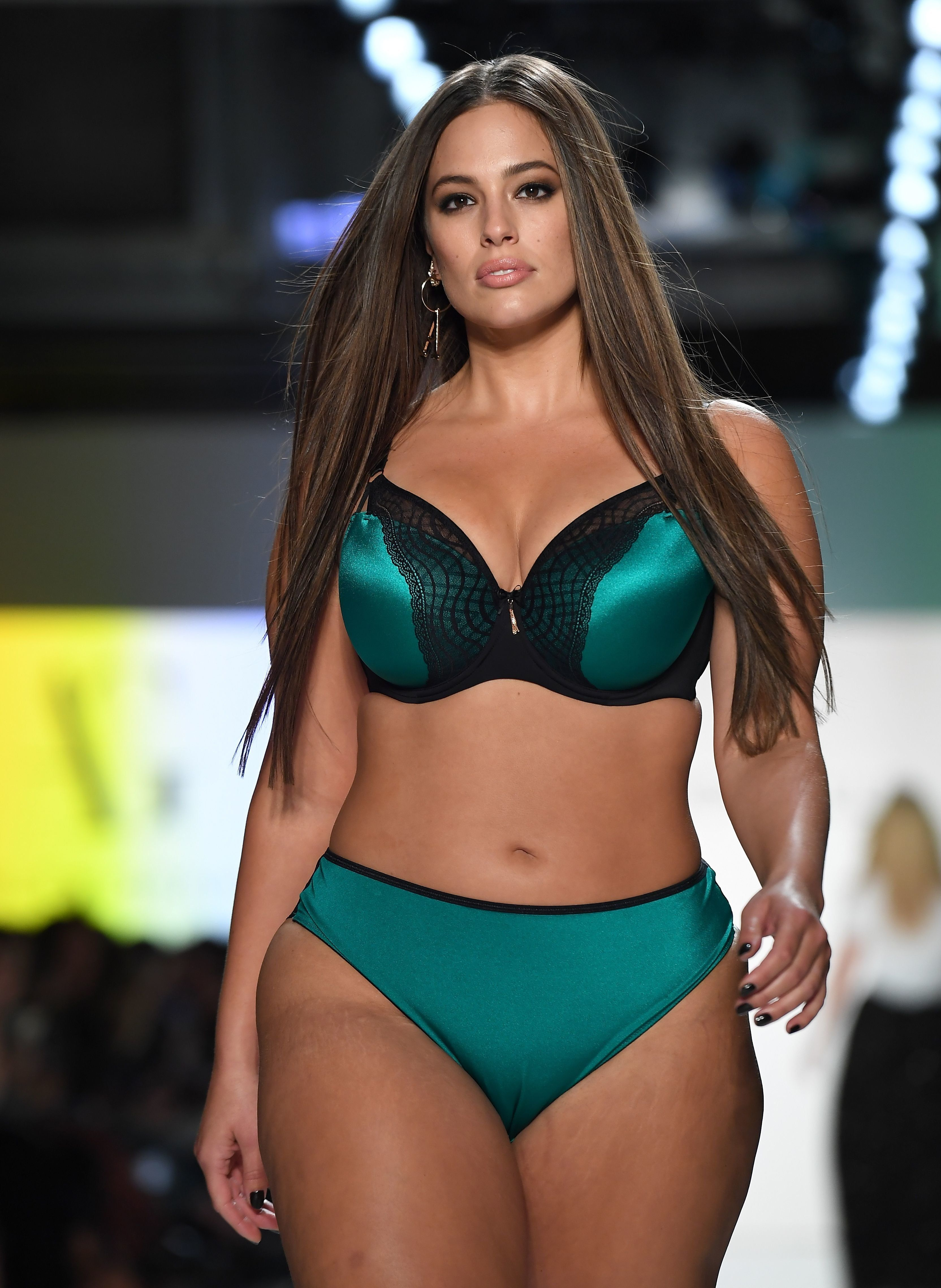 Ashley Graham Shows Victoria's Secret What They're Missing On The Addition Elle