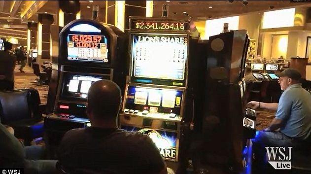"<a rel=""nofollow"" href=""http://www.dailymail.co.uk/news/article-2555025/Who-Lions-Share-Las-Vegas-slot-machine-hit-jackpot-20"