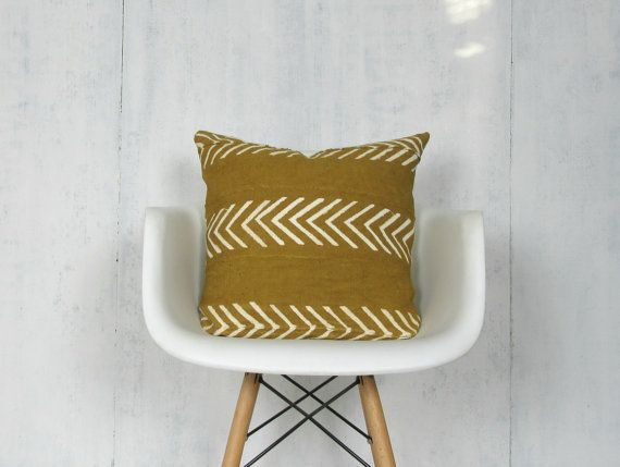 "<a href=""https://www.etsy.com/listing/472195902/mustard-mudcloth-pillow-cover-with-white"" target=""_blank"">Shop it here</a>.&n"