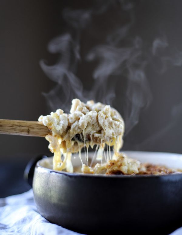 "<strong>Get the <a href=""http://www.howsweeteats.com/2016/10/gruyere-mac-and-cheese-with-caramelized-onions/"" target=""_blank"""