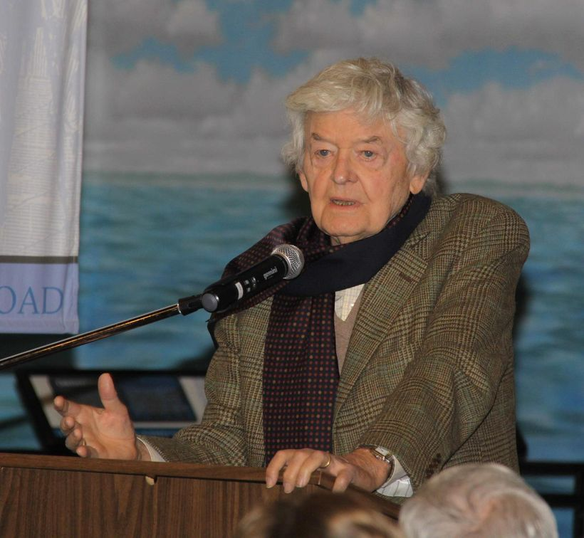 "Hal Holbrook accepting ""Mark Twain Lifetime Achievement Award"" in Hannibal, Missouri"
