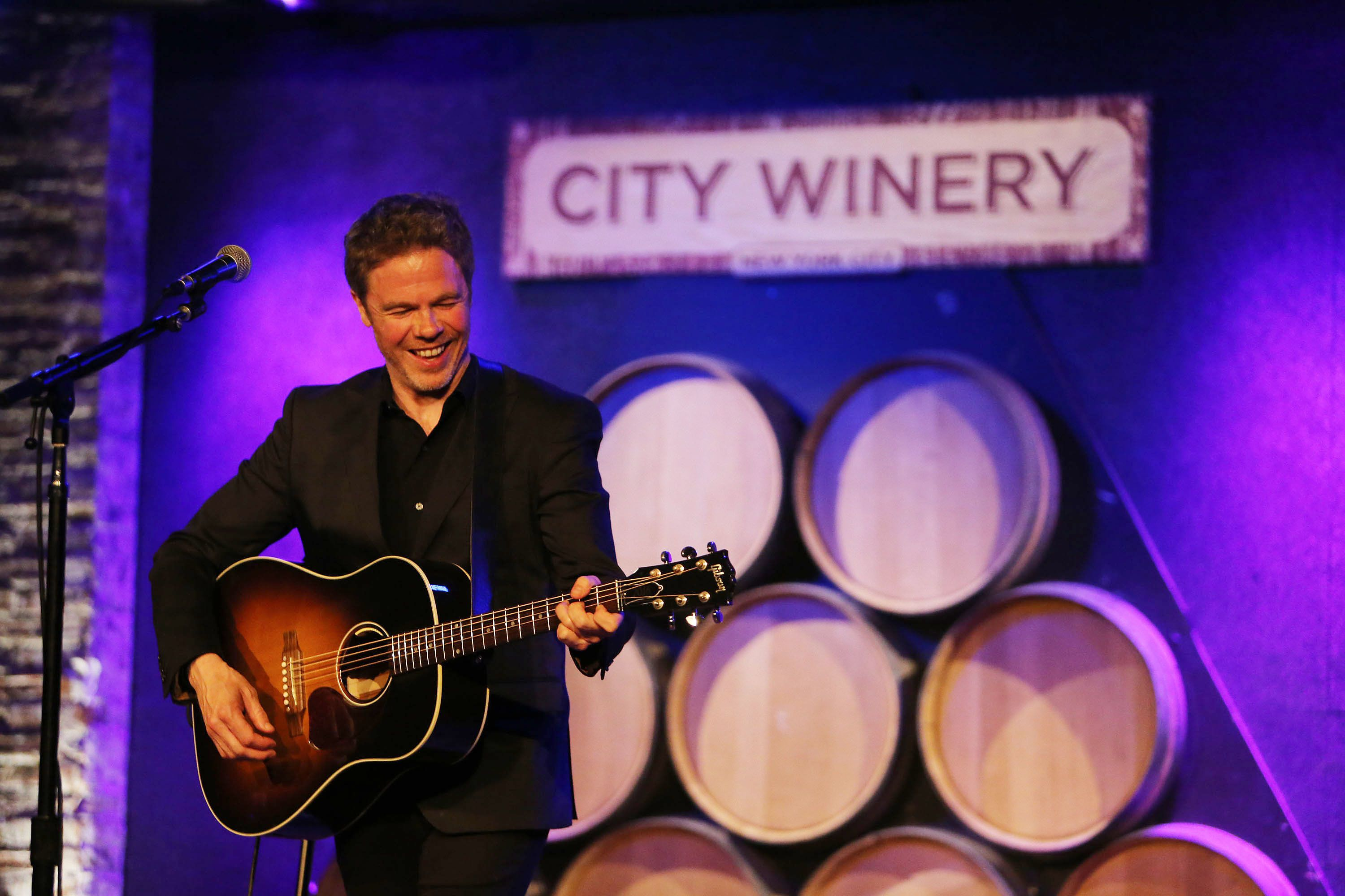 NEW YORK, NY - APRIL 18: Josh Ritter performs at City Winery on April 18, 2017 in New York City. (Photo by Al Pereira/Getty Images).
