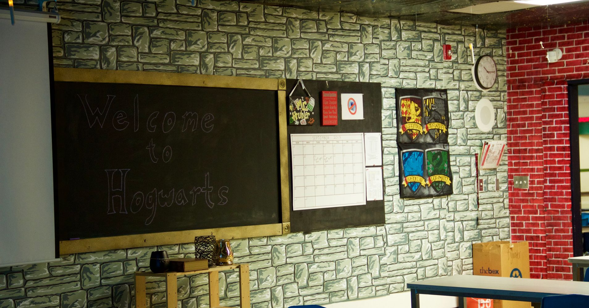 Classroom Entry Ideas ~ Teacher spends hours creating incredible harry potter