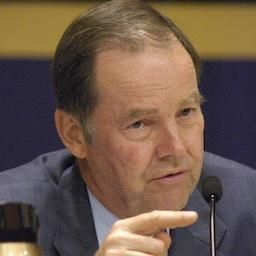 Thomas H. Kean (R) Chairman of the 9/11 Commission and Co Chair, Lee H. Hamilton confer during a news conference Decembe