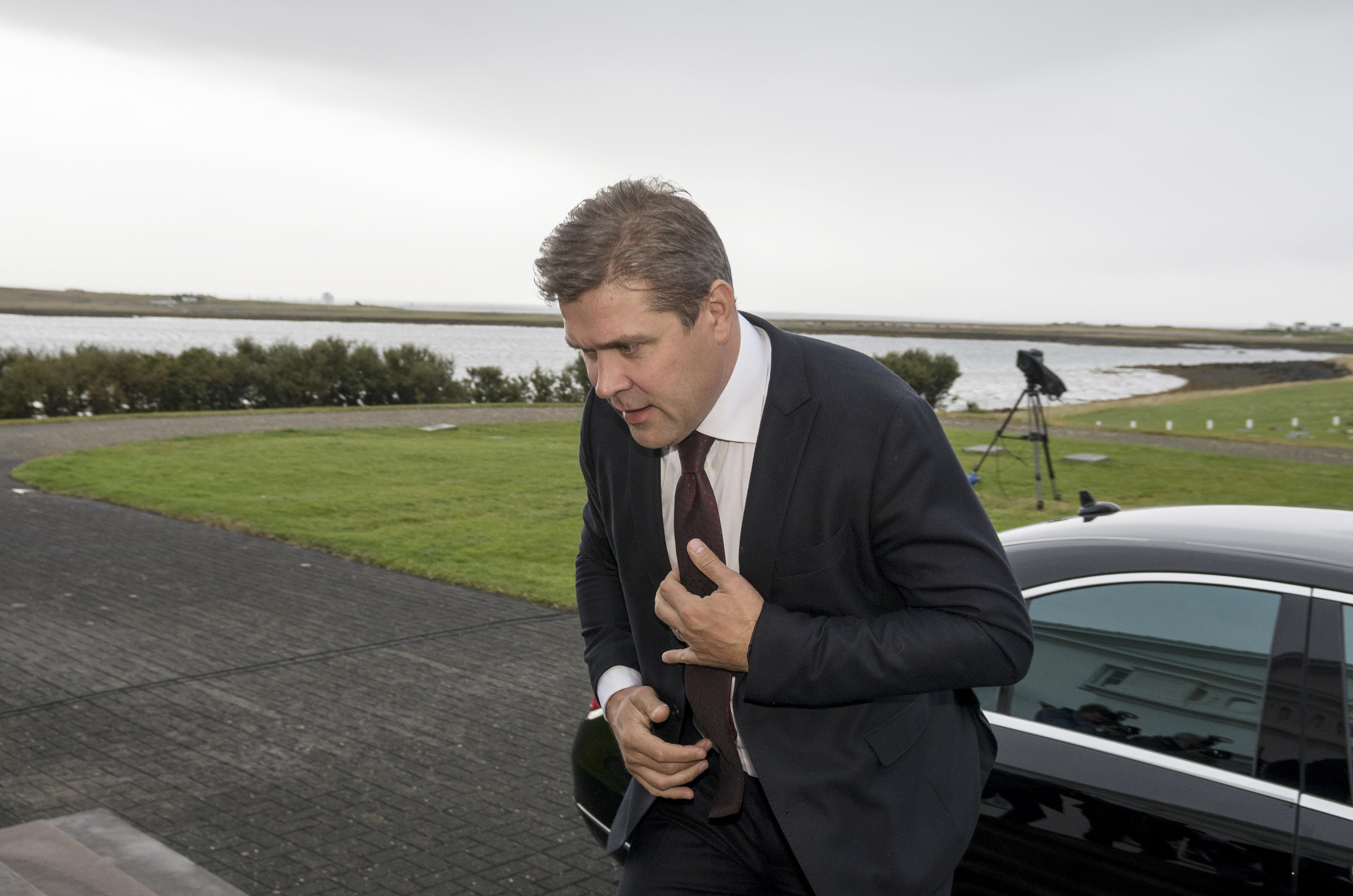 Iceland's Prime Minister Bjarni Benediktsson arrives at the Presidential residence in Bessastadir, Iceland September 16, 2017. REUTERS/Geirix