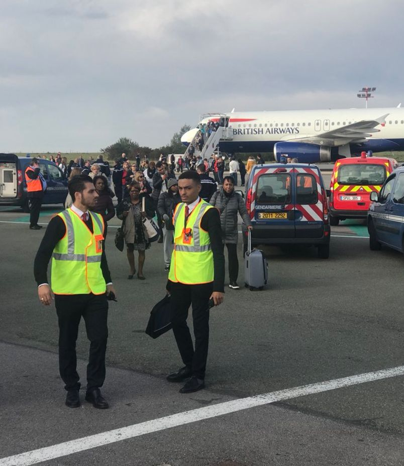 Passengers were evacuated on the tarmac at Charles de Gaulle