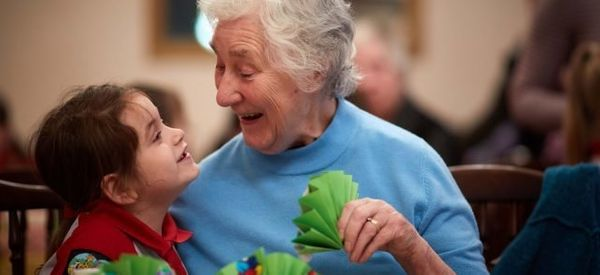 Girlguides Are Helping To Tackle Loneliness Among Older People In The Best Way