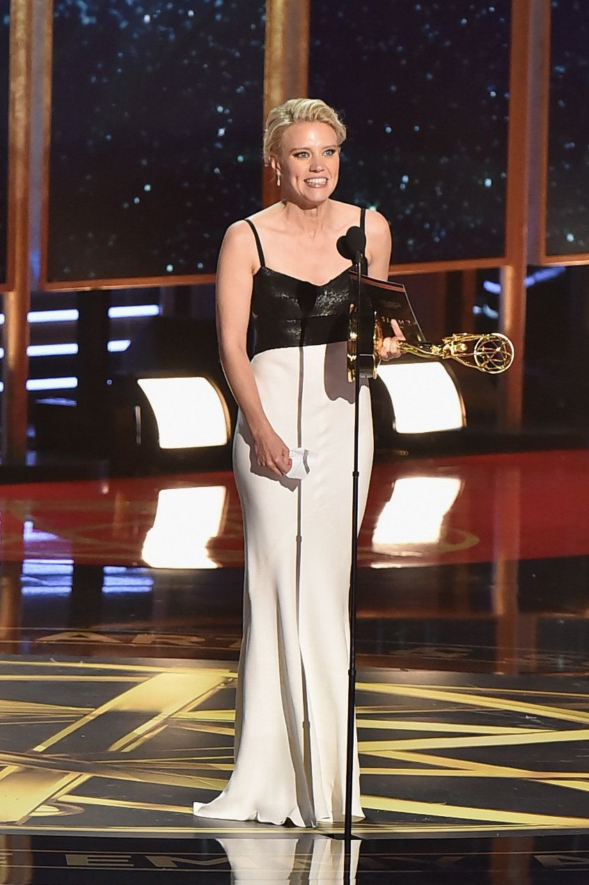 LOS ANGELES, CA - SEPTEMBER 17: Actor Kate McKinnon accepts the Outstanding Supporting Actress in a Comedy Series award for 'Saturday Night Live' onstage during the 69th Annual Primetime Emmy Awards at Microsoft Theater on September 17, 2017 in Los Angeles, California.  (Photo by Jeff Kravitz/FilmMagic)