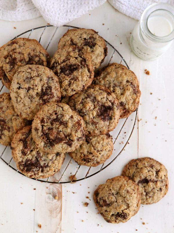 """<strong>Get the <a href=""""http://www.completelydelicious.com/flourless-oatmeal-chocolate-chunk-cookies/"""" target=""""_blank"""">Flour"""