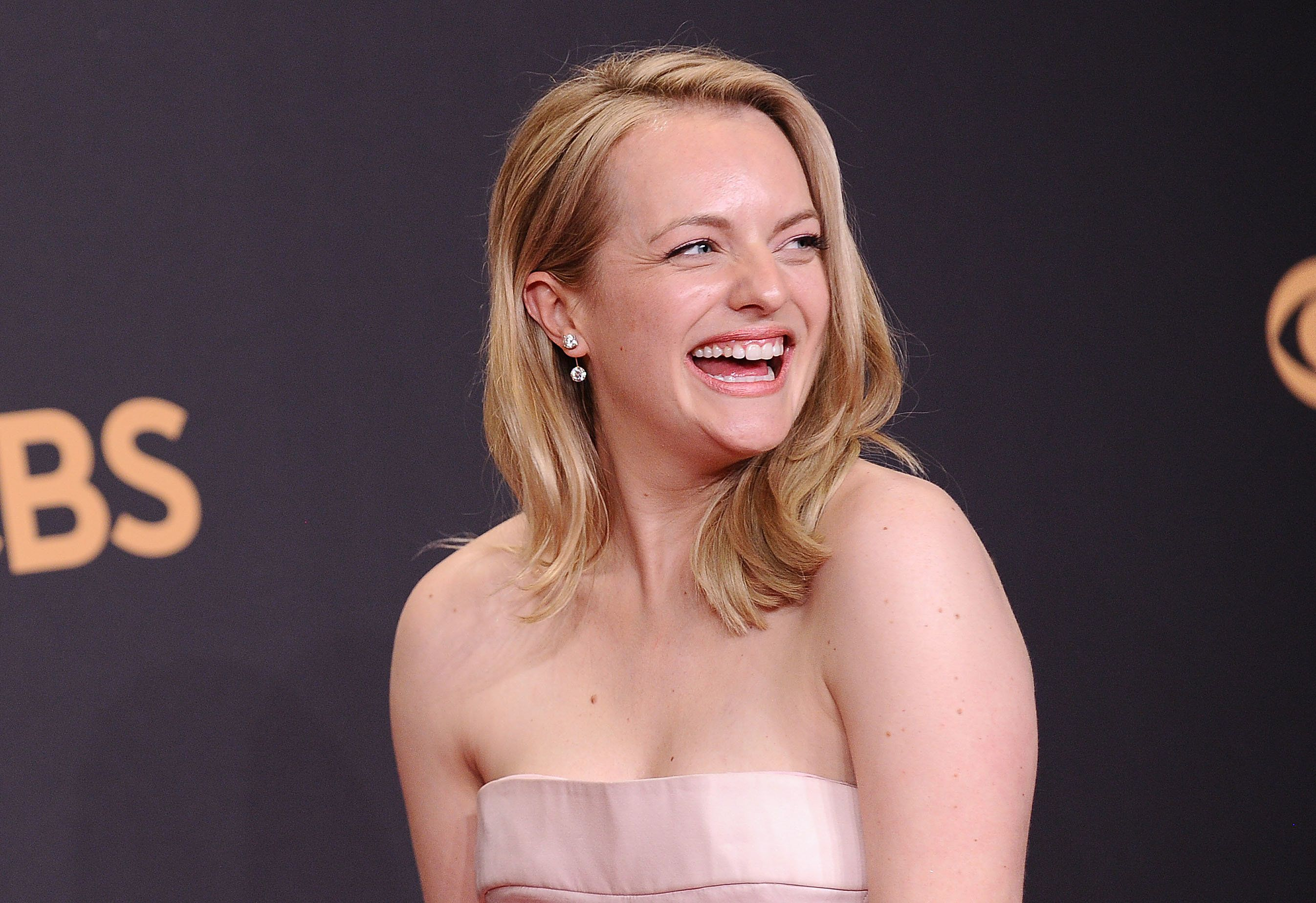 Elisabeth Moss Hid A Message To The Patriarchy On Her Emmys