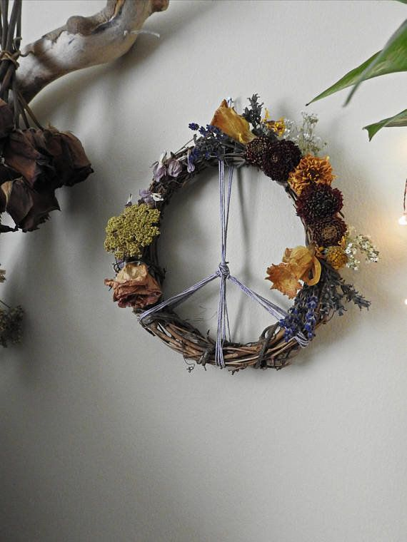 "<a href=""https://www.etsy.com/listing/558128947/botanical-peace-sign-wreath-flowers?ref=shop_home_active_1"" target=""_blank"">S"