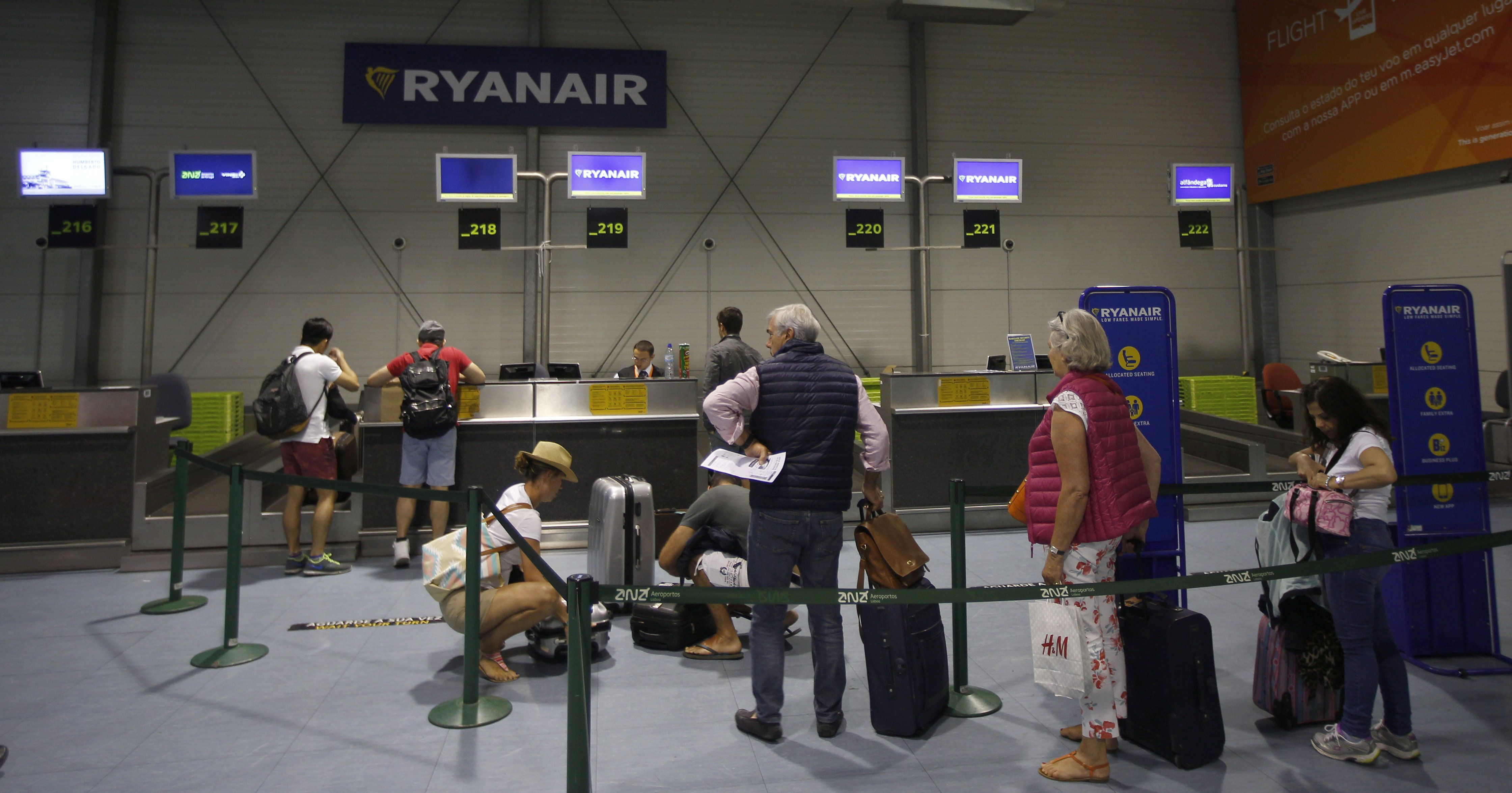 5 Passengers Who Are Having An Absolute Nightmare Because Of Ryanair