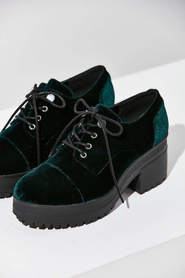 "<a href=""https://www.urbanoutfitters.com/shop/sadie-velvet-bubble-toe-oxford?category=velvet-womens-clothing&color=030&am"