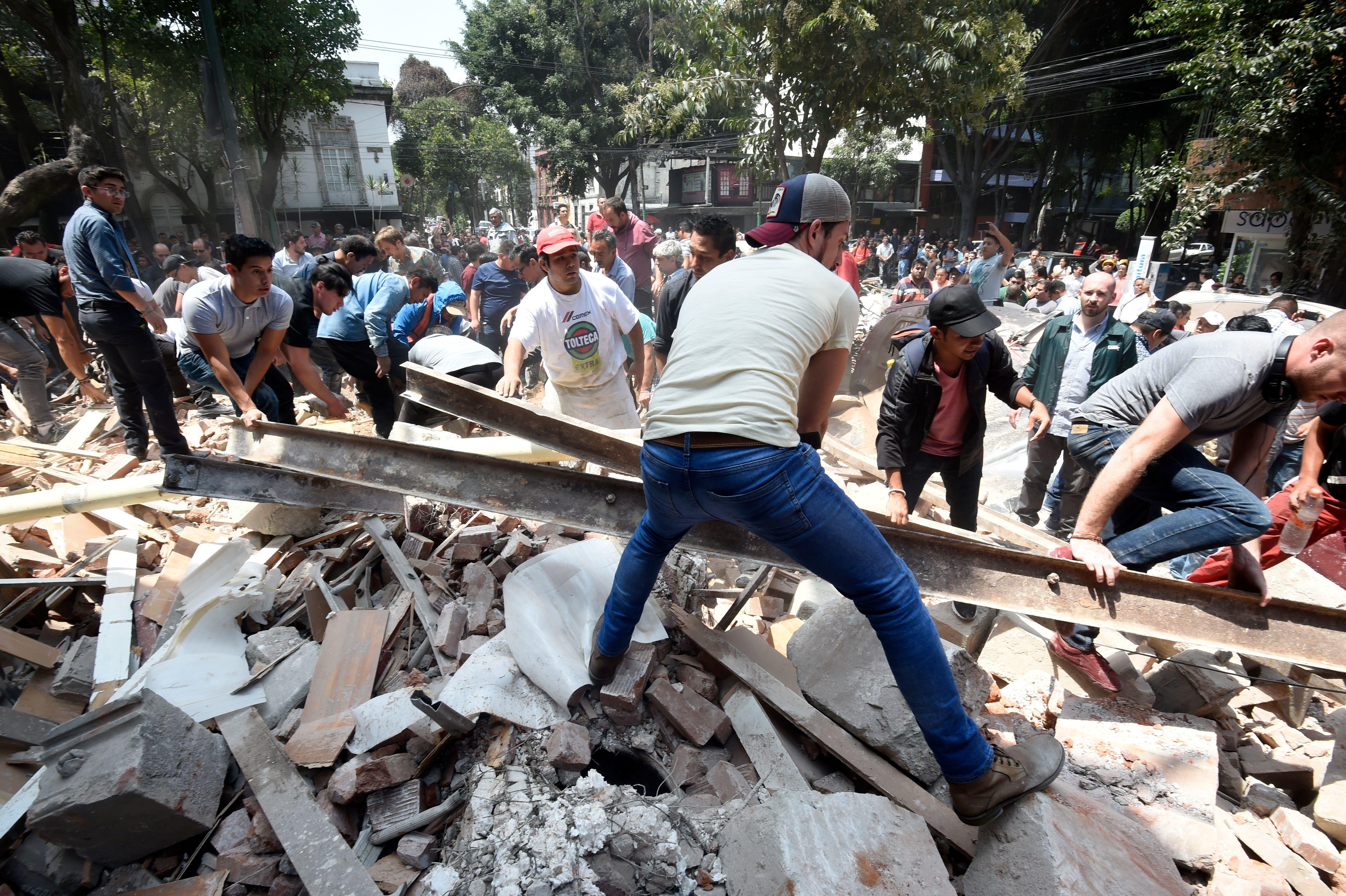 As fotos da destruição deixada pelo terremoto de 7.1 no