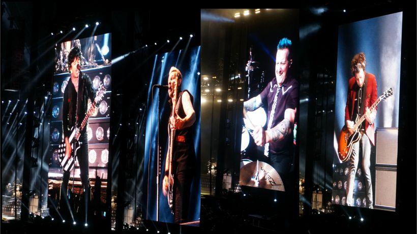 Billie Joe Armstrong (lead vocals, guitar), Mike Dirnt (bass), Tre Cool (drums), Jason White (guitar), Pasadena Rosebowl 2017