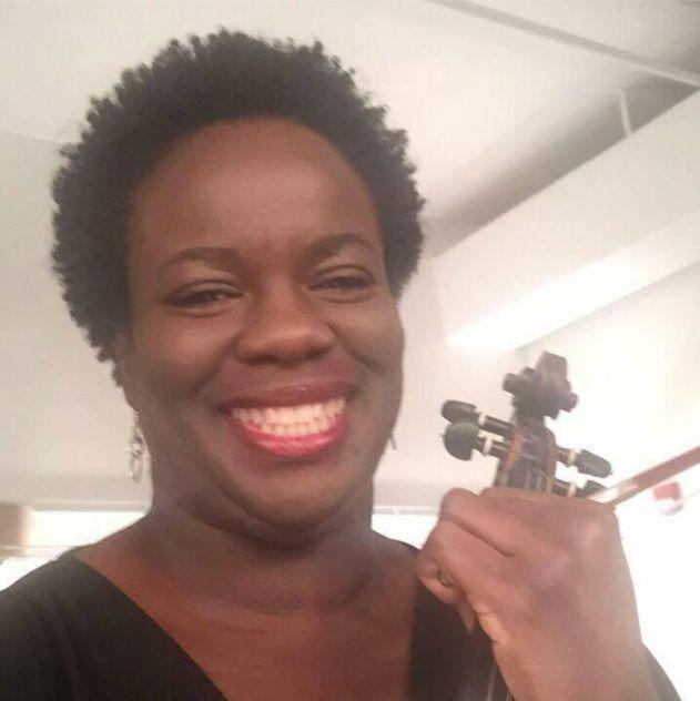 Chenoa Alamu, a violinist in Illinois, is a supporterof the White Nonsense Roundup service.
