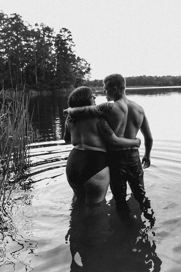 Woman's Viral Photo Shoot With Fiancé Has An Empowering