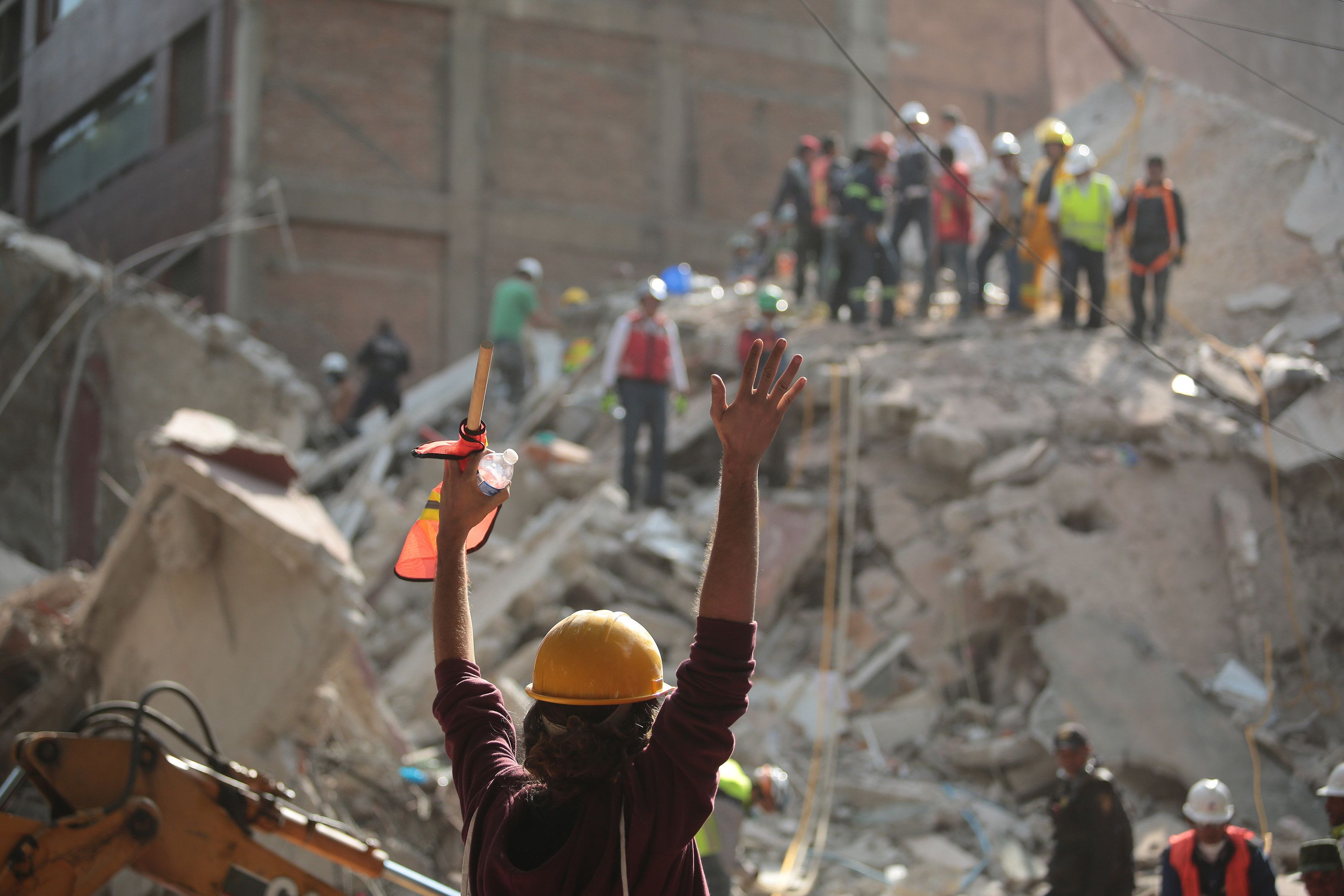 Mexico Watches Frantic Effort to Rescue Girl From Earthquake-Hit School