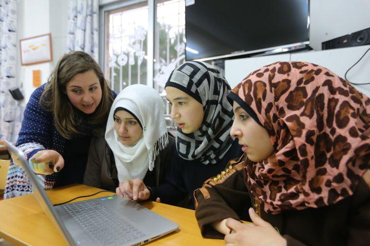 <p>Syrian girls attend Theirworld Tech Hub in Lebanon</p>