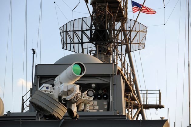 US Army's Laser Weapon Gives Terrifying Demonstration In New