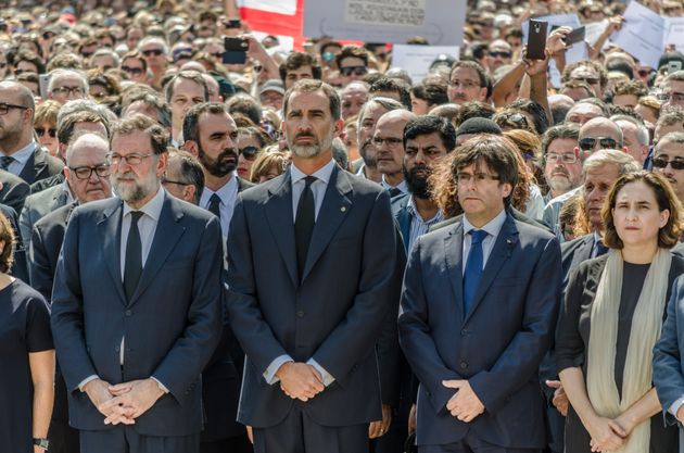 The President of the government, Mariano Rajoy, King Felipe VI, and the president of the government of...