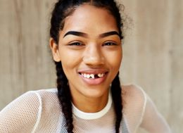 Model Had The Perfect Response To A Nasty Meme Making Fun Of Her Teeth