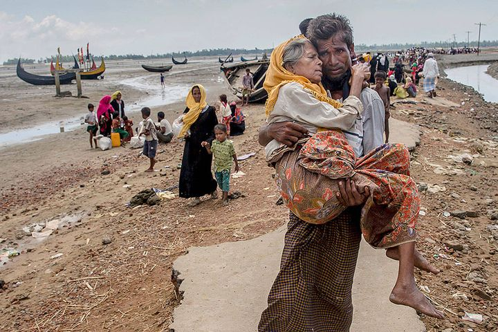 Rohingya refugees arrive in refugee camps in Bangladesh