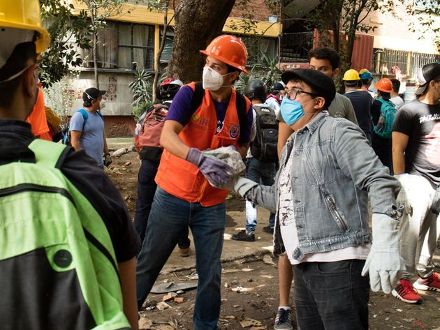 The Mexico Earthquake Taught Me Strangers Can Be Wonderful