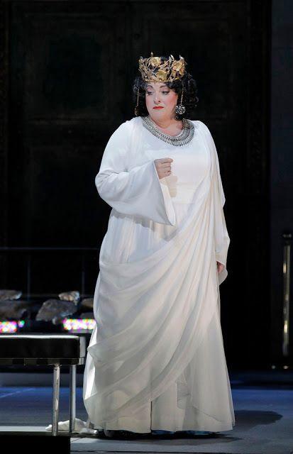 Michaela Martens as Klytemnestra in a scene from <strong><em>Elektra</em></strong>