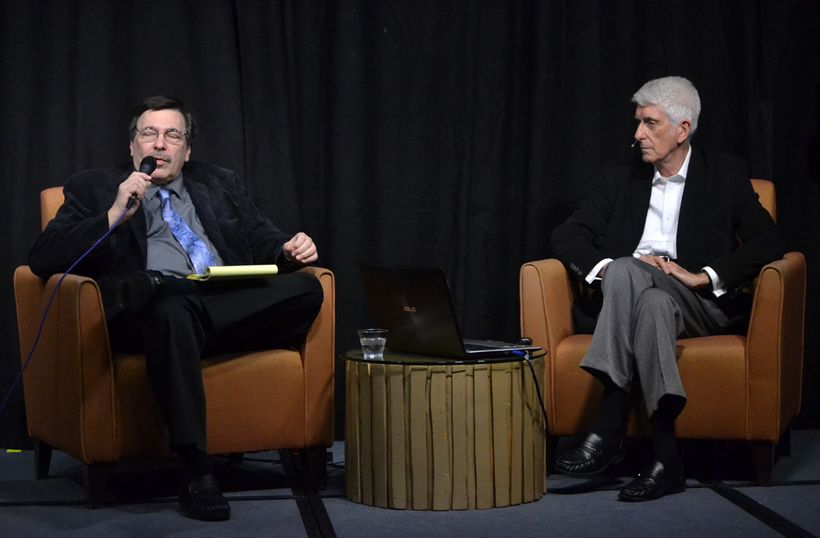 Lee Speigel (left) interviewing Jacques Vallee at the International UFO Congress in 2016.