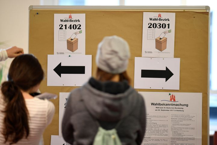 Voters enter a polling station during general election (Bundestagswahl) in Hamburg, Germany, September 24, 2017.